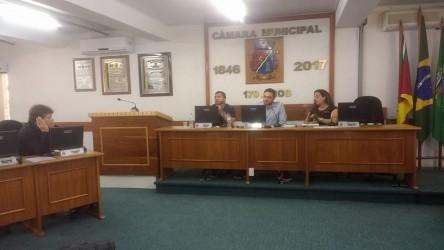 Ary Moura quer convocação de ex-secretário e ex-prefeito