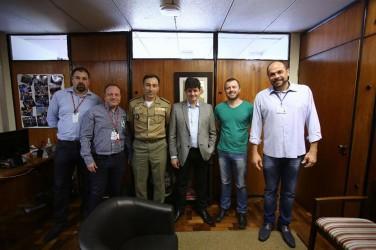 Vereador Arthur e comandante da BM tratam de Segurança com deputado Tiago Simon