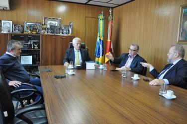 Vice-governador Cairolli recebe Galperim e Vanazzi para tratar sobre o Hospital Centenário