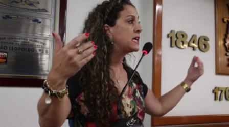 Ana Affonso critica o projeto Escola sem Partido e a manobra do vereador Buz para que o mesmo não fosse à votação  neste ano