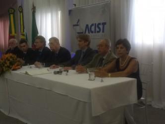 Iara Cardoso destaca coragem dos empreendedores na posse da nova diretoria da ACIST-SL