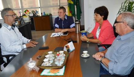 Mesa Diretora reúne-se com prefeito Ary Vanazzi