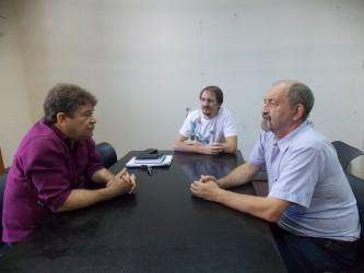 Projetos na rede escolar é pauta de reunião de Ary Moura com secretario de educação