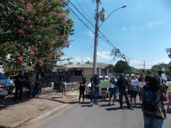 Iara Cardoso leva apoio da Câmara a reivindicação de moradores da Scharlau