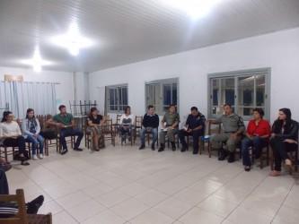 Vereadora Iara Cardoso busca soluções na área de segurança no bairro Scharlau