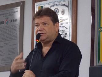 Vereador Ary Moura destaca lideranças populares na Tribuna Livre