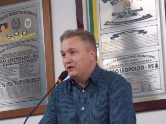 Fabiano Haubert coloca gabinete a disposição pelas causas sociais