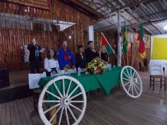 Sessão solene descentralizada reúne tradicionalistas no CTG Tio Lautério
