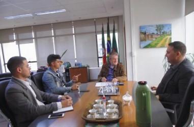 Reunião com o prefeito Ary Vanazzi