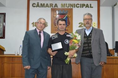 Armando Motta promove sessão em homenagem ao trabalho voluntário de professor  de Muay Thai e Taekwondo