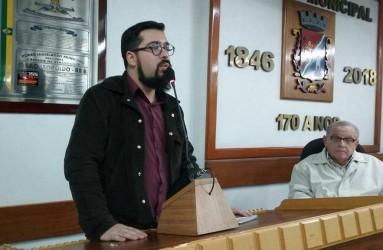 Ismael Mendonça (PT) assume e protocola sete Projetos de Lei