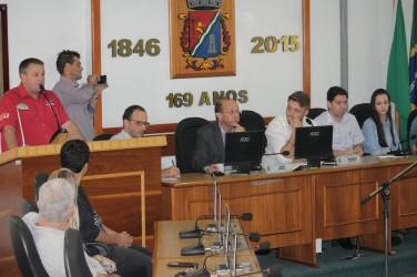 31/03 - Audiência Pública discute o espaço do jovem no mercado de trabalho