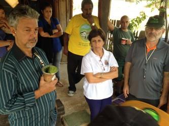Iara Cardoso visita vila Progresso com comissão de vereadores