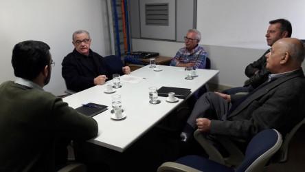 Galperim se reúne com Agergs e Anatel para acabar com emaranhados de fios e cabos em postes