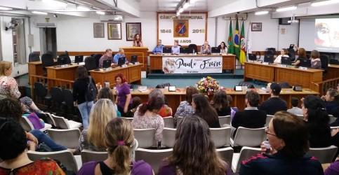 Esperançar na resistência pela Educaçãomarca entrega do Prêmio Paulo Freire