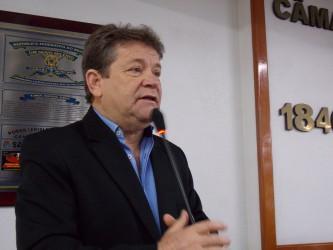 Sessão solene proposta pelo vereador Ary Moura presta homenagem ao Dia do Músico