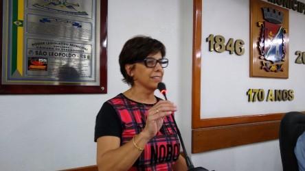 Iara Cardoso destaca a importância de políticas sociais para o município