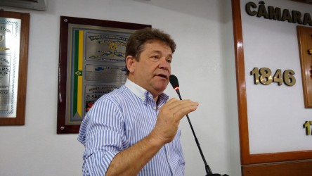 Vereador Ary Moura pede prioridade para obras nas vias de acesso