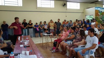 Vereador Ary Moura participa da entrega de escrituras da Vila Brás II