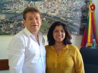 Presidente da Câmara Ary Moura recebe prefeita em exercício Paulete Souto