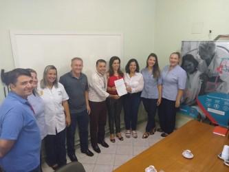 Troco Solidário entrega primeiro valor arrecadado ao Hospital Centenário