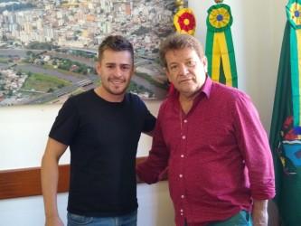Ary Moura recebe secretário de Desenvolvimento Econômico, Turístico e Tecnológico