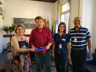 Presidente da Câmara Ary Moura recebe visita da ACIST-SL