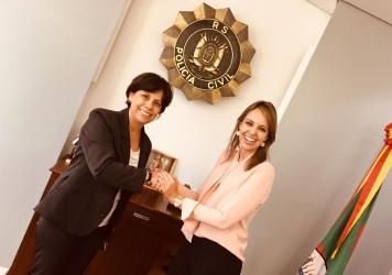 Vereadora Iara Cardoso participa de audiência com a chefe de polícia