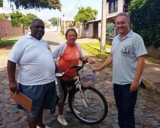 Fabiano Haubert realiza atividade no bairro Rio dos Sinos