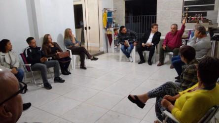 Vereador Ary Moura se reúne com moradores do Loteamento Bom Fim