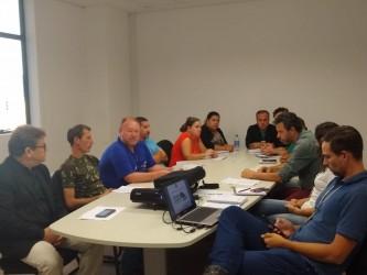 Ary Moura participa de reunião com secretário e cooperativas