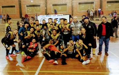 Presidente da Câmara prestigia final da Liga Leopoldense de Futsal