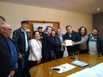 Presidente da Câmara recebe projeto do executivo para isenção de ITBI para cooperativados