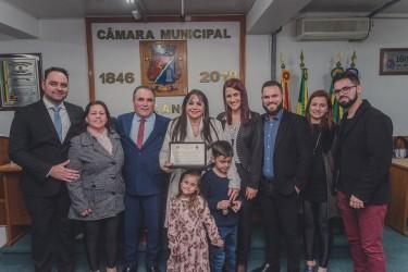 `Vereador Pastor Perci concede título para Dra Sônia Eleni Corrêa