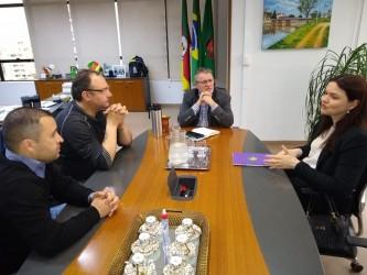 Juliano Maciel propõe inclusão de alimento saudável nas escolas públicas