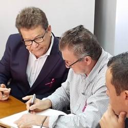 Ary Moura assume a prefeitura e transmite cargo de presidente da Câmara ao vereador Rambor