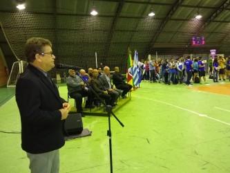 Presidente da Câmara Ary Moura da às boas vindas para atletas da Copa Unisinos