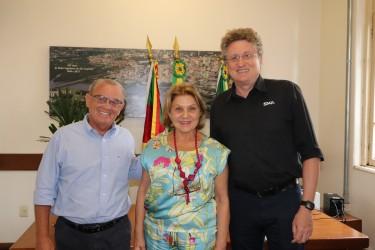 Júlio Galperim recebe representantes da Acist-SL