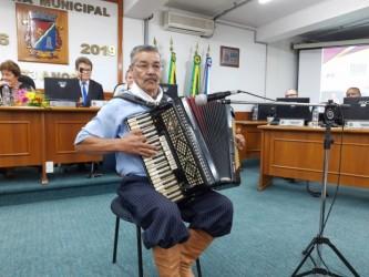 Vereador Ary Moura propõe moção de apoio aos músicos