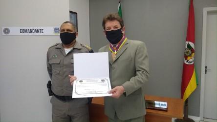 Vereador Ary Moura é condecorado com a Comenda do 25º Batalhão de Polícia Militar