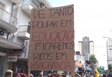 Aprovada Moção de Apoio ao pagamento de salários de profissionais da educação estadual que participaram da greve