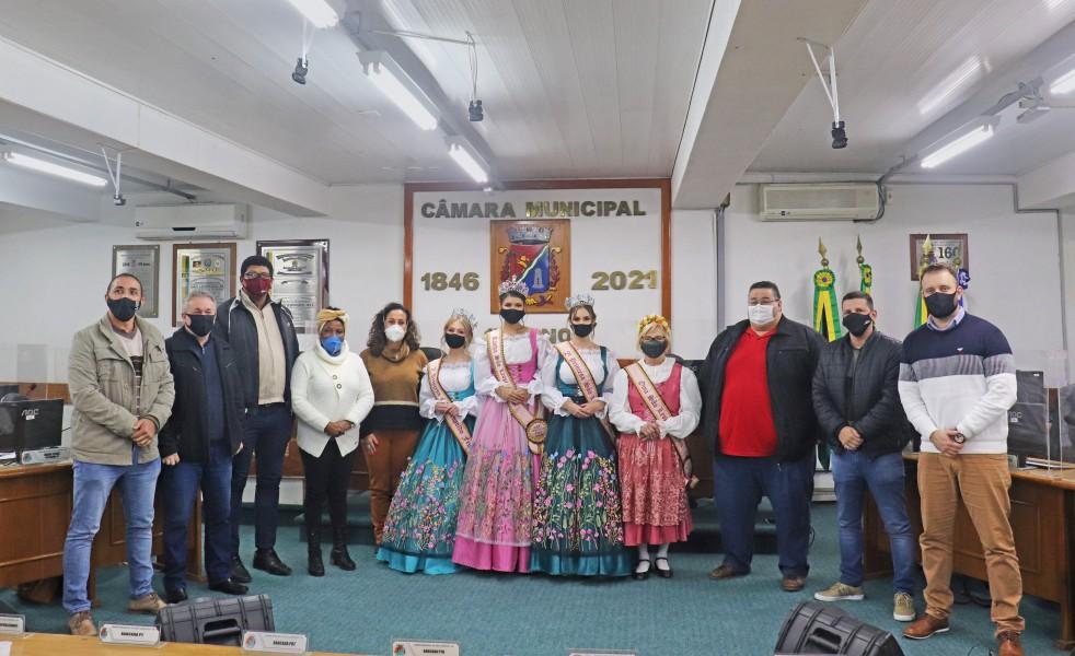 Câmara recebe visita da Corte da São Leopoldo Fest 2021