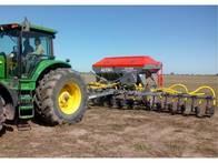 Fertilizadora Altina con Sembradora LSI 4000