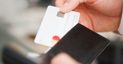 Como funcionam os cartões de crédito