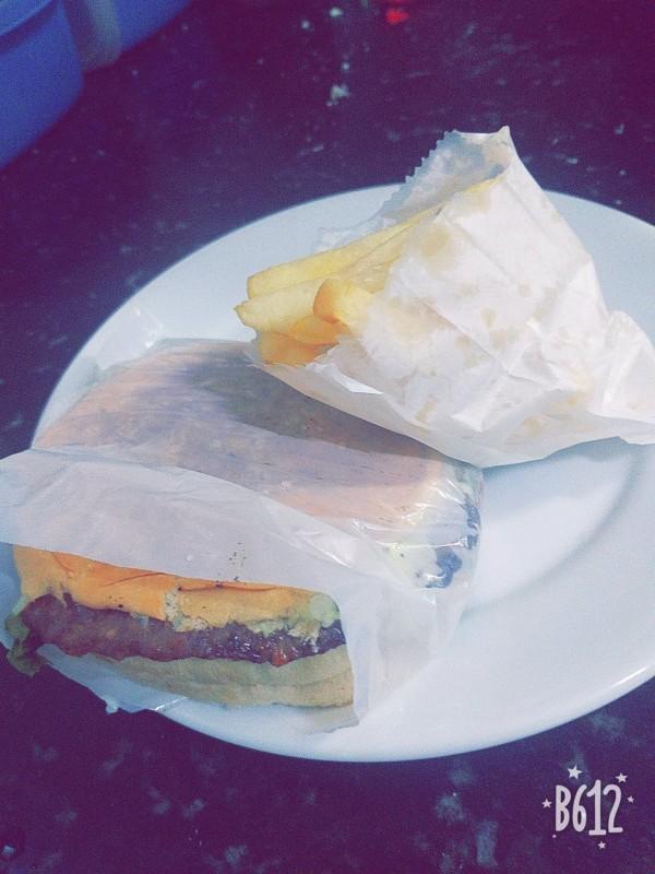 Hambúrguer de carne + Fritas