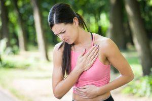 Saiba porque o número de infartos tem aumentado em mulheres com Dr. Hélio Castello