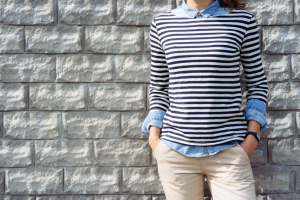 Camiseta listrada pode transformar seu look com Rosy Cordeiro