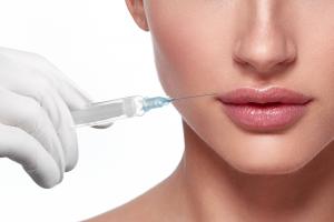 Preenchimento labial com Dra.Maria Paula del Nero
