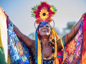 Dicas de look para pular Carnaval por Sabrina Farias