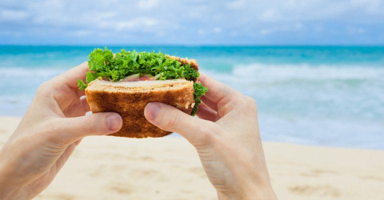 Infecções alimentares na praia: como evitar e quais os perigos com Dra. Raquel Muarrek